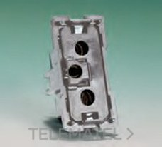 BJC 16525 Base de enchufe 2P+T (TT desplazada) para clavijas con espigas diámetro 4mm y exportación