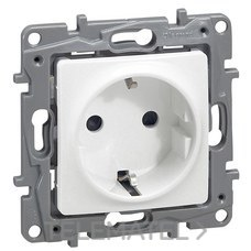 LEGRAND 664730 Base NILOE 2P + Toma tornillo protección inferior blanco
